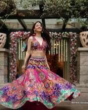 Sandeepa Dhar spotted wearing Siddhartha Bansal's latest